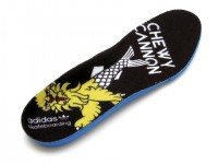 adidas CUMPUS VULC Chewy Cannon ブラックスエード/ガムソール インソール