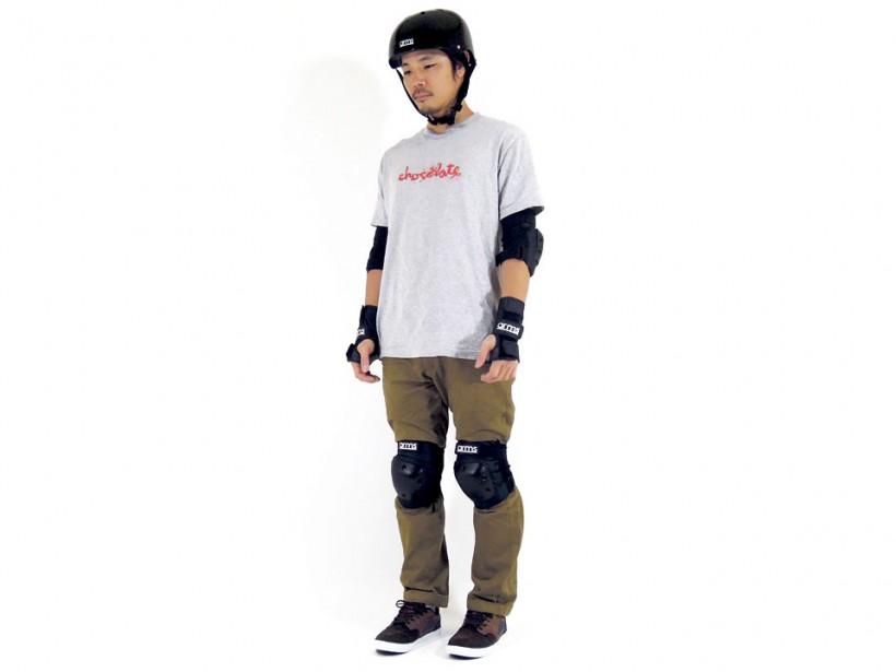 スケボー arms ヘルメット&セーフティギア 全身1