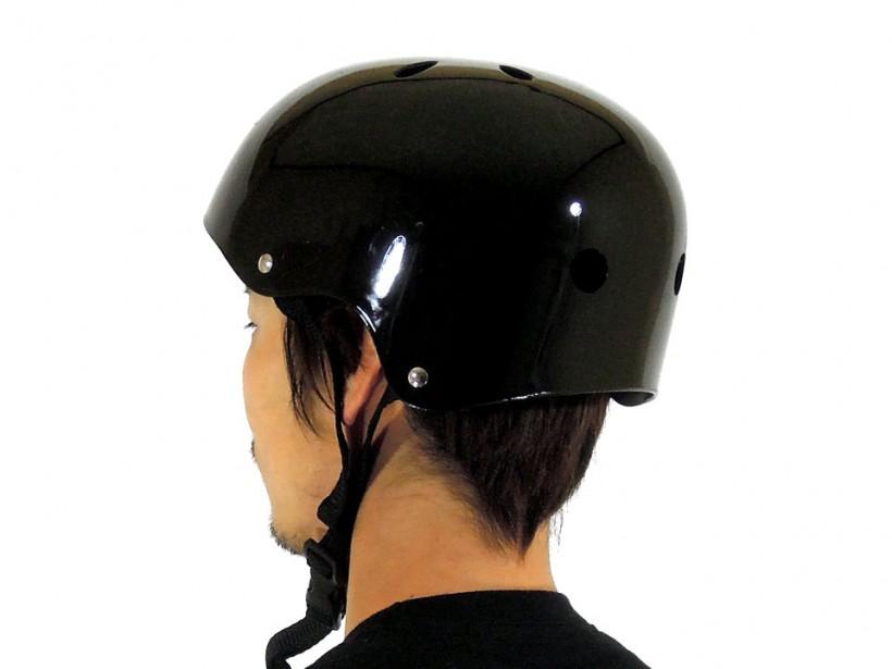 arms スケボー ヘルメット ブラック 着用例2