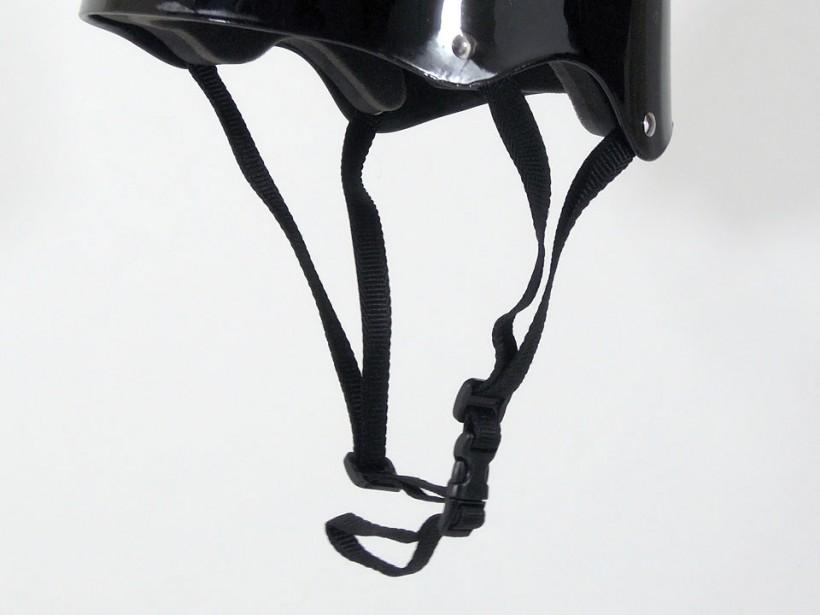arms スケボー ヘルメット ブラック ストラップ