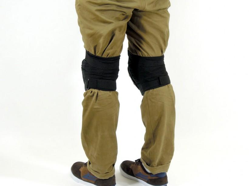 arms スケボー ニーパッド(膝当て) 着用例2