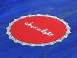スケボー 通販 スケートボード デッキ Chocolate Skateboards BOTTLE CAPS Vincent Alvarez チョコレート ボトルキャップ ビンセント・アルバレス ロゴ