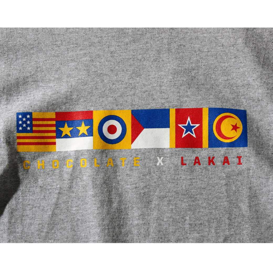 Chocolate LAKAI FLAG Tシャツ グレー