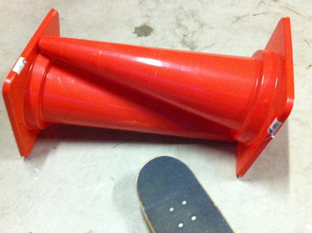 オーリー コツ 練習方法 スケボー 初心者 スケートボード カラーコーン