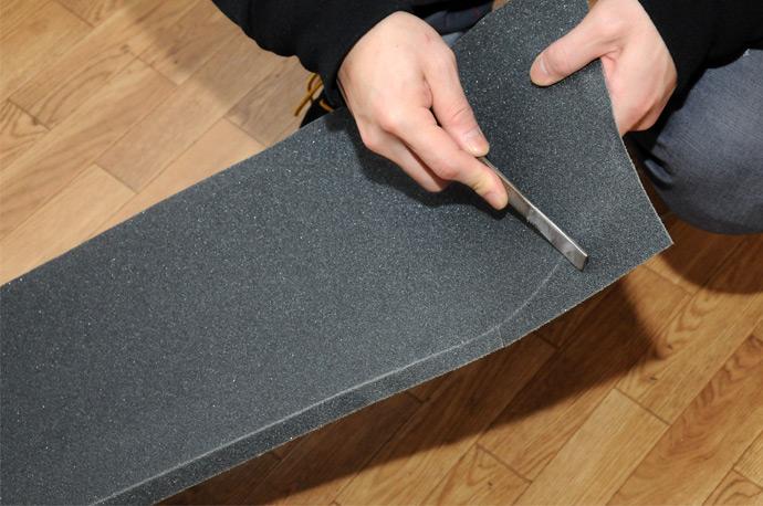 スケボー初心者のためのメンテナンスコーナー デッキテープの貼り方 10