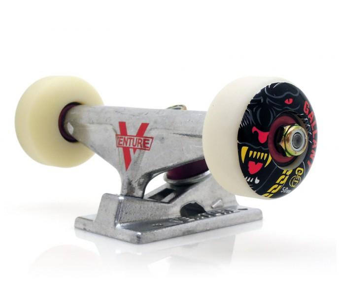 スケボーの選び方が分からない初心者にオススメのコンプリートデッキスケートボード GOLDWHEEL