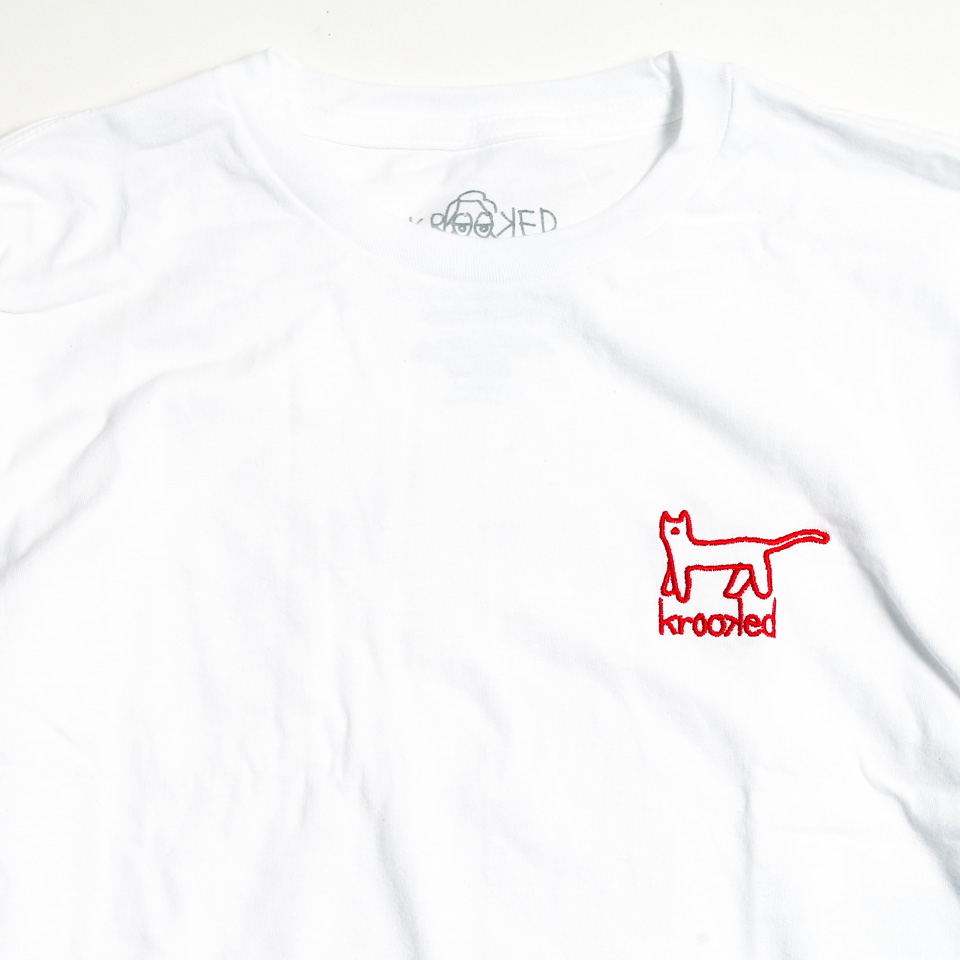 KROOKED KAT EMB Tシャツ ホワイト