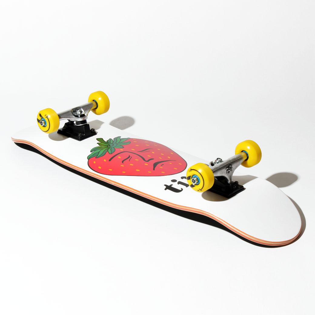 おしゃれにスケボーを楽しみたい人におすすめのクルーザースケートボード TIRED 8.625インチ